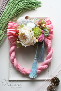 Japanese New Year wreath 2015 お正月 Love Flowers, Diy Flowers, Fabric Flowers, Paper Flowers, Japanese New Year, Japanese Art, Japanese Floral Design, Diy Wreath, Wreaths