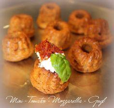 Tomate Mozzarella, Party Buffet, Bagel, Doughnut, Baked Potato, Potatoes, Bread, Baking, Ethnic Recipes