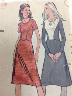 VOGUE 8107 VINTAGE Sewing Pattern Womens Dress Size 16
