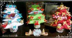 Árvores natalinas de mesa em feltro e lacinho
