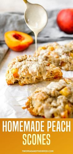 Peach Scones- fluffy, buttery scones dotted with fresh peaches and finished with a sweet honey vanilla glaze. These homemade scones are going to become your new favorite breakfast treat. Apple Dessert Recipes, Brunch Recipes, Sweet Recipes, Baking Recipes, Breakfast Recipes, Bread Recipes, Brunch Ideas, Muffin Recipes, Breakfast Ideas