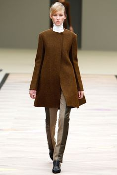 Céline Fall 2011 Ready-to-Wear Fashion Show - Emily Baker (VIVA)