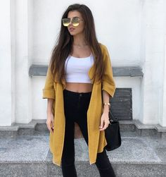 "3,272 aprecieri, 44 comentarii - Martyna Kępa  (@martynakepa) pe Instagram: ""☀️ #girl #polishgirl #brunette #spring #fashion #classy #style #ootd #lady #woman #warsaw…"""
