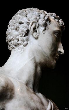 Detail: Subtle Beauty. Roman Statuary. Altes Museum. Berlin