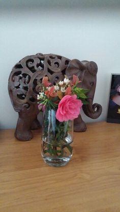 Elephant and flowers Elephant, Table Lamp, Vase, Flowers, Home Decor, Homemade Home Decor, Table Lamps, Elephants, Flower Vases