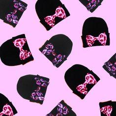 LIPS BOW BEANIES – nikkilipstick Nikki Lipstick, Champagne Taste, Winter Gear, Pastel Colors, Minnie Mouse, Kawaii, Bows, Beanies, Disney Characters