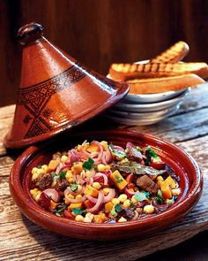 The Secret to Cooking Succulent Food – The Tajine Real Cooking, Asian Cooking, Tagine Cooking, My Favorite Food, Favorite Recipes, Vegan Junk Food, Tagine Recipes, Vegan Sushi, Vegan Smoothies