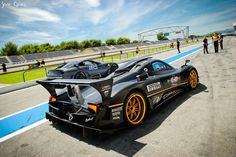 The Pagani Zonda R Is A Ferocious Sports Car, One Of The Most Extreme  Machines Ever