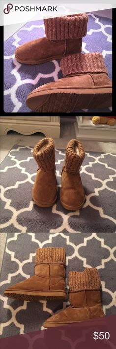 Beautiful like ugg boots Lamo boots that are so much like new the fur inside is still puffy as ever! Barely worn at all! Can fold the sweater material down or lift it up for different looks Shoes