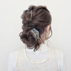 NO湿気ヘア!簡単くるりんぱで「まとめ髪」アレンジ - LOCARI(ロカリ)