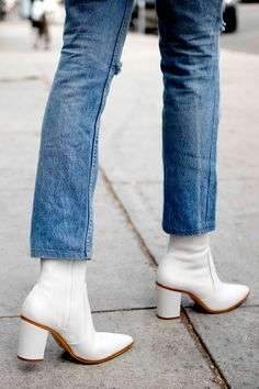 White boots should be in every trendy woman's closet. Shop the shoe brand fashion insiders rely on to stay stylish from head to toe, Schutz Shoes now in Miami at Aventura Mall. Zapatos Shoes, Women's Shoes, Me Too Shoes, Prom Shoes, Golf Shoes, Flat Shoes, Wedge Shoes, Dress Shoes, Shoes Sneakers