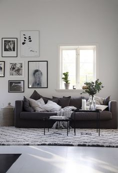 Emsloo Source by bohoanordic My Living Room, Living Room Interior, Home And Living, Living Room Decor, Contemporary Interior Design, Interior Design Kitchen, Apartment Living, Apartment Design, Living Room Inspiration