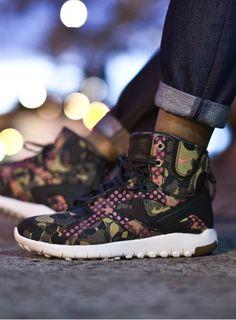 new styles 55a08 bd5e3 Featured Presentations   Streetwear Blog NYC. Nike Acg. Nike wmns Koth Ultra  Jacquard Premium