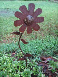 Handmade Metal Garden Flower Yard Art by theshack on Etsy, $30.00