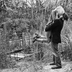 engagement picture idea :)
