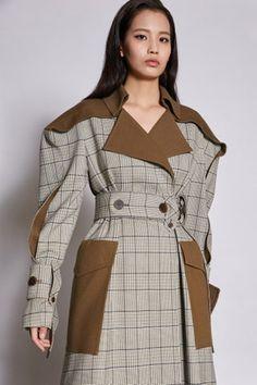 Kumann Yoo Hye Jin Seoul Herbst/Winter - Fashion Shows 30 Outfits, Fall Outfits, Fashion Outfits, Fashion Trends, Fashion News, High Fashion, Winter Fashion, Fashion Show, Womens Fashion