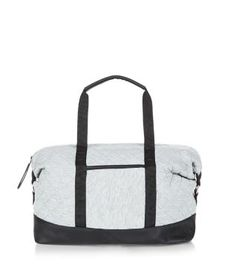 Transport your gym kit in style with the Grey Jersey Quilted Holdall Bag. #newlook #sportswear