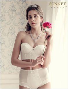 소네트 브라이드, 특수 패턴 적용한 웨딩드레스 전용 속옷 선보여 Wedding Dresses, Fashion, Bride Dresses, Moda, Bridal Gowns, Fashion Styles, Weeding Dresses, Wedding Dressses, Bridal Dresses