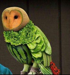 creatief met eten  is hij niet schattig ???