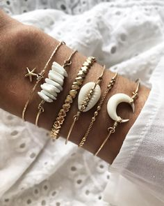 Summer jewelry diy - In white ♡ A restocking on the site www thamaka com photoftheday love bijoux summer jewelry jewels bracelets – Summer jewelry diy Back Jewelry, Shell Jewelry, Cute Jewelry, Jewelry Gifts, Jewelry Accessories, Jewelry Design, Jewellery, Bridal Jewelry, Summer Bracelets