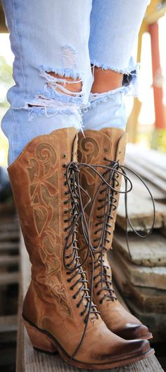 Botas Cowboy by Junk Gypsy - Boots Cowgirl Style, Cowgirl Boots, Western Boots, Crazy Shoes, Me Too Shoes, Botas Boho, Bota Country, Fashion Shoes, Fashion Accessories