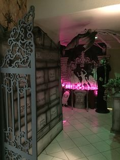 Haunted mansion pet cemetery : Halloween 2015 my own props