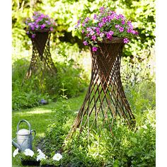 Willow Planter with Stand