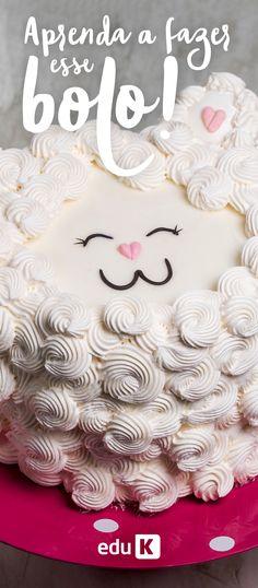 Que tal aprender a fazer esse bolo delicioso e de quebra, aprender algumas técnicas com bicos de confeitar? ;)