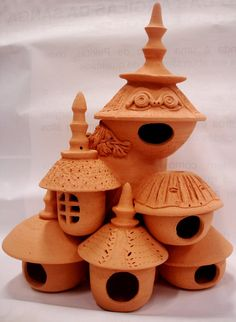 Would make a great outdoor decoration and birdhouse!