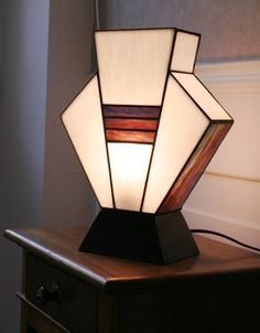 "Lampe Art Déco Vitrail Tiffany ""Simplissime Blanche"""