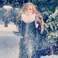 Senior pictures in the snow