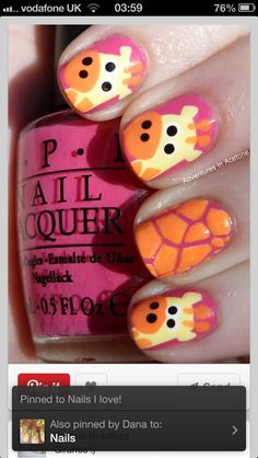I love these giraffe nails