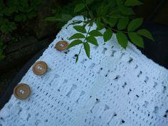 crochet pillow cover for a shabby chic home by IlmondodiTabitha