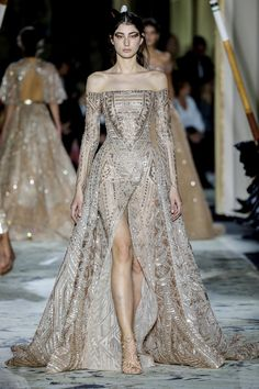 Fashion Week Paris Spring/Summer 2018 look 49 from the Zuhair Murad collection couture Haute Couture Style, High Fashion Dresses, Fashion Outfits, Fashion Tips, Elegant Dresses, Pretty Dresses, Couture Collection, Couture Dresses, Beautiful Gowns