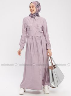 The perfect addition to any Muslimah outfit, shop Mia Line's stylish Muslim fashion Lilac - Point Collar - Unlined - Dress. Find more Dress at Modanisa! Modest Fashion Hijab, Modern Hijab Fashion, Hijab Fashion Inspiration, Abaya Fashion, Fashion Dresses, Hijab Turkish, Moslem Fashion, Abaya Designs, Muslim Dress