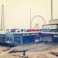 Seaside NJ - Boardwalk  | #warm #cool #blue #yellow #taupe #tan #aqua #red #iphoneography