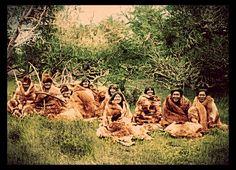 Selknam, Fotografía de Alberto de Agostini, 1923. Patagonia, Southern Cone, Australian Aboriginals, Melbourne Museum, Famous Pictures, Native American Photos, Don Quixote, South America, Folk