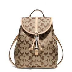 Low cost real Coach handbags, all models of Coach purses and handbags at cheap rates. Shop many brands of designer purses and handbags at cheap prices. Coach Handbags, Coach Purses, Purses And Bags, Lv Bags, Fashion Bags, Fashion Backpack, Fashion Fashion, Runway Fashion, Fashion Trends