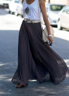 How to Wear a Maxi Skirt That casual yet dressy thing going on aga., How to Wear a Maxi Skirt That casual yet dressy thing going on again with the versatile maxi skirt! Grey Maxi Skirts, Pleated Maxi, Long Skirts, Maxi Dresses, Black Skirts, Jean Skirts, 1950s Dresses, Printed Maxi Skirts, Denim Skirts