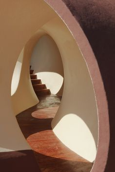 stairway in Palais Bulles, bubble-shaped house outside Cannes, France designed by architect Antti Lovag (smallspaces)