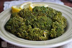 Broccoli sote cu lamaie si usturoi - CAIETUL CU RETETE Scottish Recipes, Turkish Recipes, Romanian Food, Romanian Recipes, Good Food, Yummy Food, Gordon Ramsey, Vegan Dishes, Korean Food