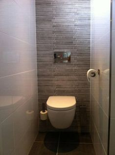 Toilet on pinterest toilets bathroom doors and met for Idee betegelde toiletruimte