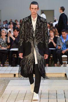 Alexander McQueen Spring 2018 Menswear Collection Photos - Vogue