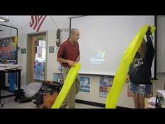 This is AWESOME! The science of air-mass,volume,pressure,density,Bernoulli School Science Experiments, 8th Grade Science, Elementary Science, Science Classroom, Science Lessons, Teaching Science, Science Education, Science For Kids, Science Activities