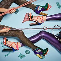 O universo esportivo invadiu a nova coleção de inverno da @louboutinworld! Inspirados pelos sapatos de escalada e montanhismo os modelos trazem saltos cavados cores vibrantes sola emborrachada e silhueta arquitetônica. Que tal? #LOFFama #christianlouboutin  via L'OFFICIEL BRASIL MAGAZINE INSTAGRAM - Fashion Campaigns  Haute Couture  Advertising  Editorial Photography  Magazine Cover Designs  Supermodels  Runway Models