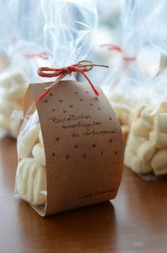 The cookie you bake the best. Bakery Packaging, Cookie Packaging, Gift Packaging, Bake Sale, Food Gifts, Christmas Cookies, Sweet Recipes, Favors, Gift Wrapping