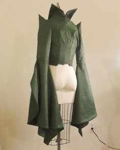Sleeves and bodice are finally finished, just have to finish the skirt and Professor McGonagall will be nearly done!