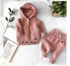 Baby Cardigan Knitting Pattern, Baby Boy Knitting, Crochet Baby Cardigan, Crochet Baby Clothes, Knitting For Kids, Baby Knitting Patterns, Crochet For Kids, Knitting Designs, Zebra Kids