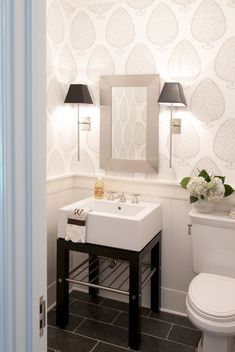Good Life of Design: Very Small Bathrooms That Look Grande!