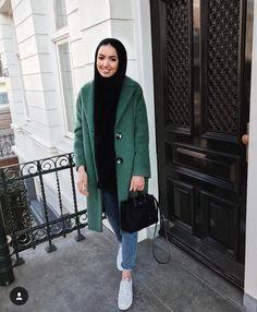 Likes, 30 Comments - Khaoula Modern Hijab Fashion, Islamic Fashion, Muslim Fashion, Modest Outfits, Chic Outfits, Latest Fashion For Girls, Casual Hijab Outfit, Fall Fashion Outfits, Winter Outfits